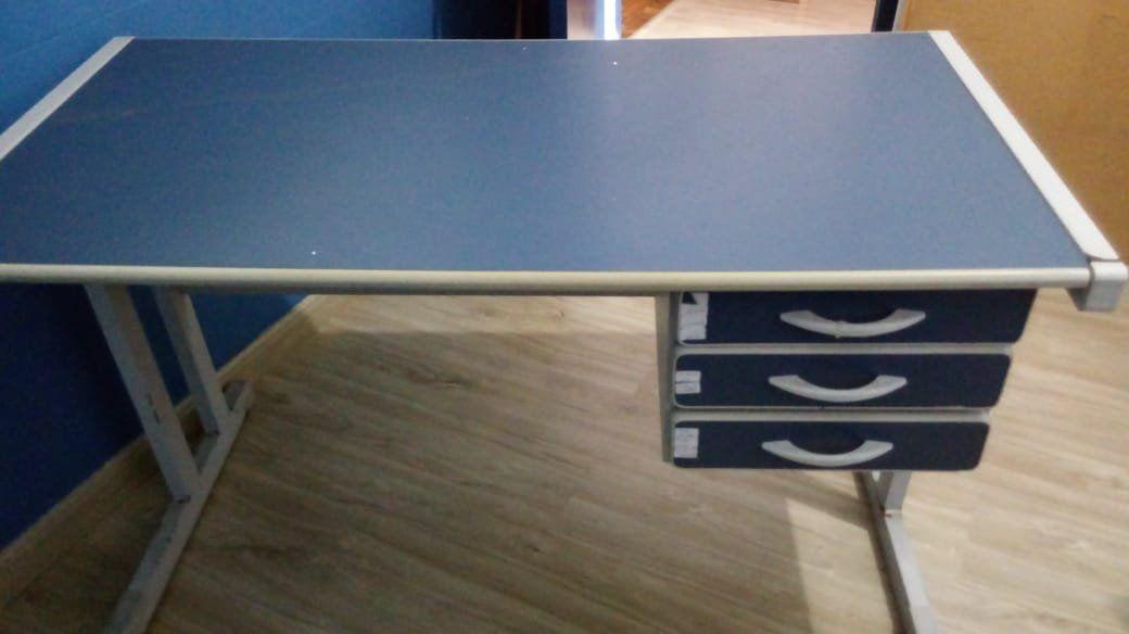 Mesa Azul Para Escritorio Desapega