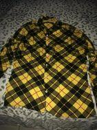 1Camisa Xadrez Amarela Tam42 e Outra Camisa Branca Quadriculada