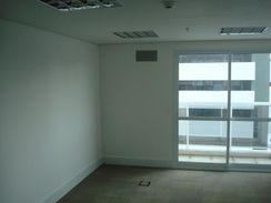 Sala Comercial com 25 m2 em São Paulo - Aclimação por 375 Mil