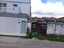 Vende SE um Imóvel no Conj Ceará